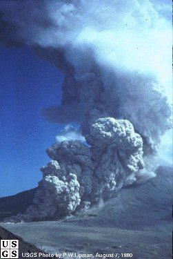 Pyroclastic cloud on Mt St Helens